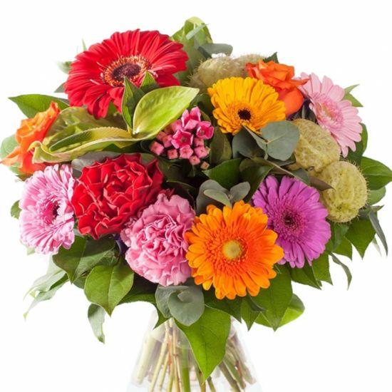 Букет смелых ярких цветов