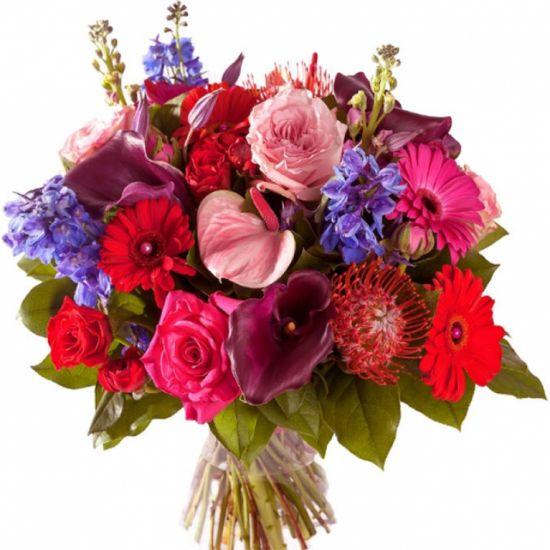 Роскошный букет в красивых цветах