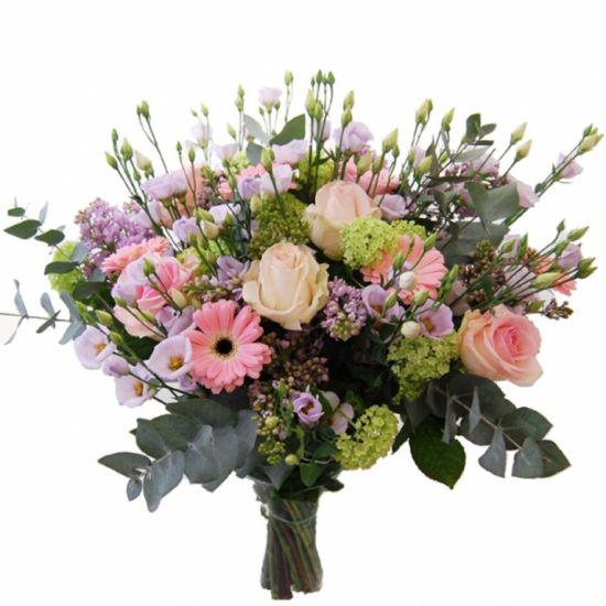 Роскошный букет в розовых, сиреневых и белых тонах